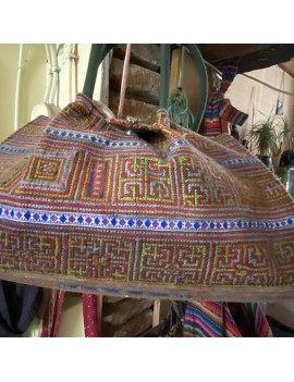 sac Hmong broderie a points...